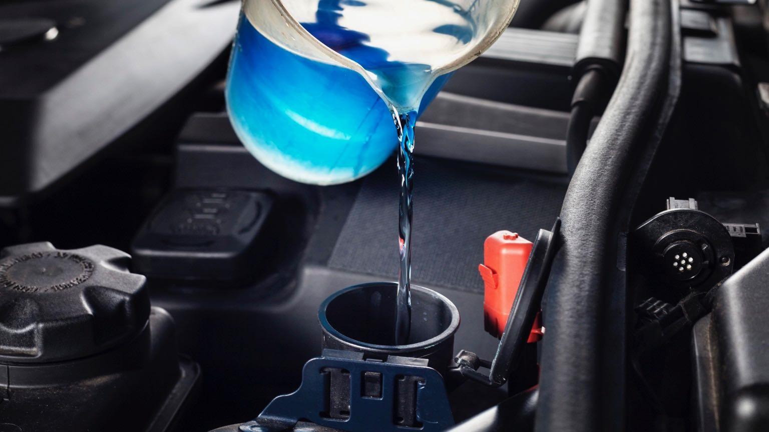 Замена охлаждающей жидкости для серии Z3 BMW